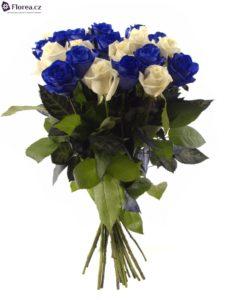 Ideální dárek - kytice modrých a bílých růží